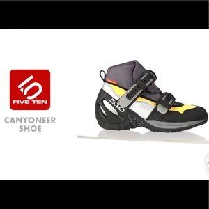 Five Ten Canyoneer II Shoe- Men's 8, women's 10